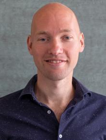 dr. V. van Vugt